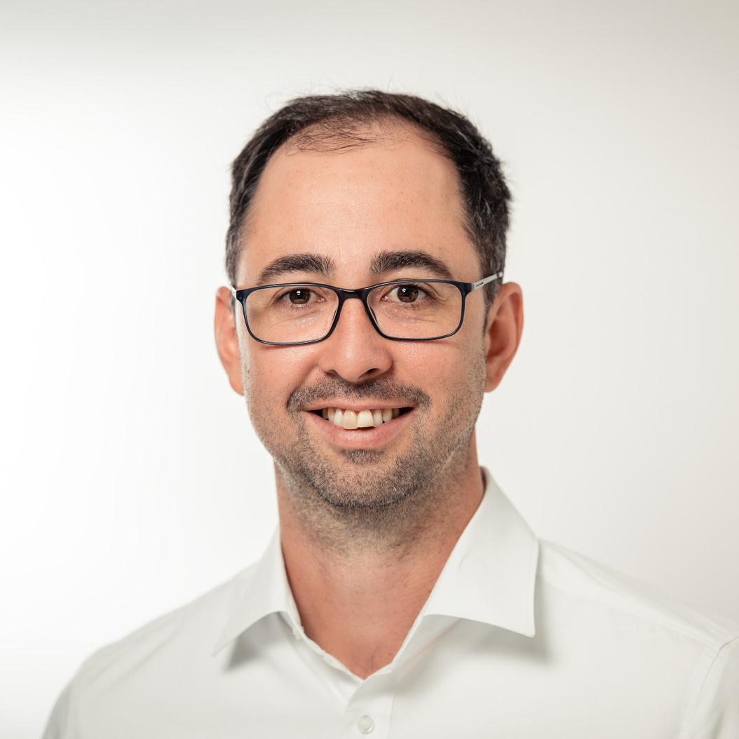 Dr. Oliver Strohmeier